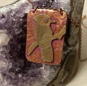 ARTISAN PENDANT ON RECYCLED MATERIALS
